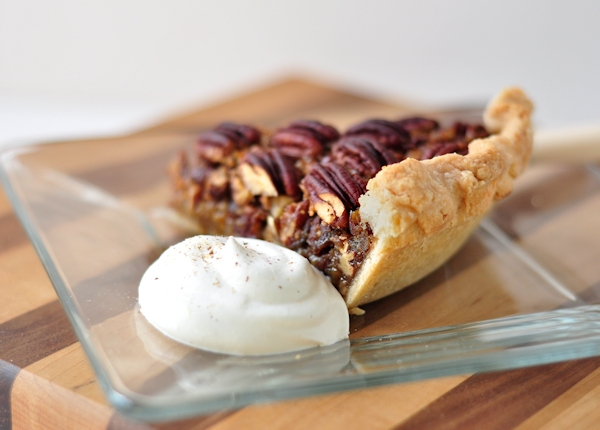 bourbon_pecan_pie_slice-back