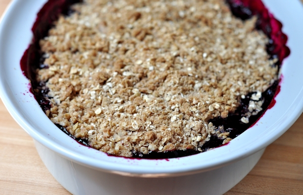 baked blueberry lime crisp