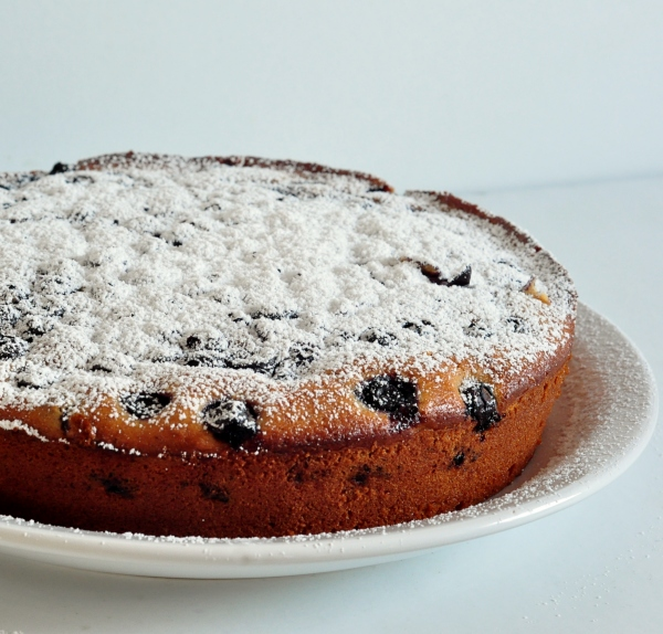 Sugaring the Blueberry Ginger Buttermilk Cake on The Creekside Cook
