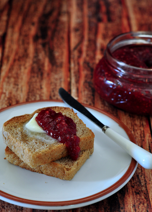 Delicious Homemade Raspberries Preserves [no pectin recipe] from The Creekside Cook
